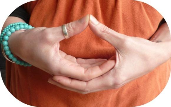 sacral-chakra-mudra.jpg
